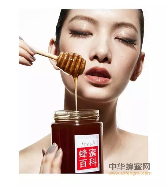 【喝蜂蜜水美容祛斑吗】_蜂蜜的好处太多 尤其是对女生