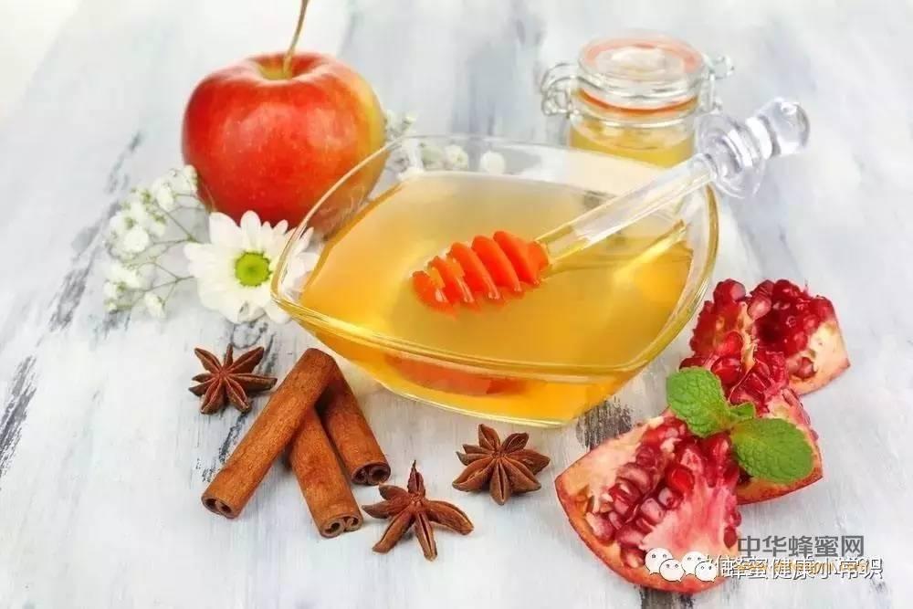 【蜂蜜便秘】_把蜂蜜倒在水里摇了摇,结果神奇的一幕出现了....