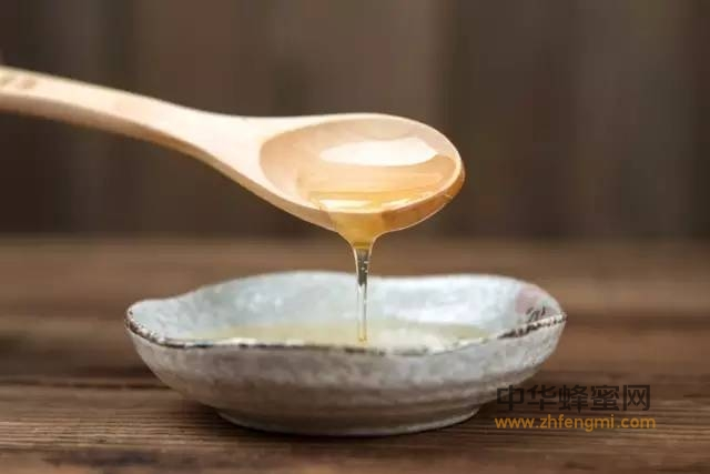 【经期能喝蜂蜜吗】_喝蜂蜜,是生命中健康最有眼光的投资!