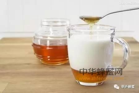 【蜂蜜排毒】_牛奶+蜂蜜 让痛经去无踪