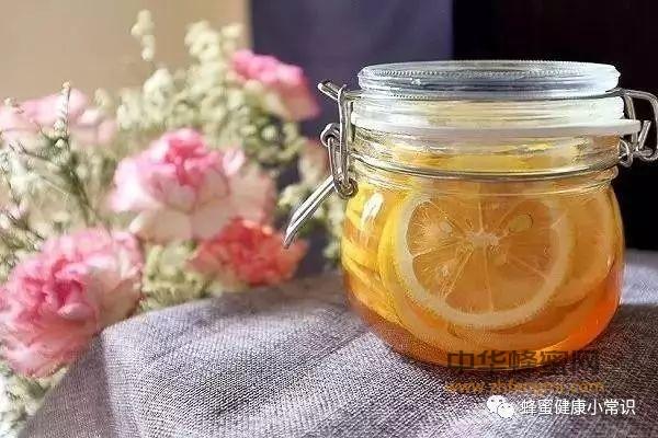 【蜂蜜白醋减肥】_美容养颜、皮肤补水、缓解便秘、就喝蜂蜜柠檬水(附做法)
