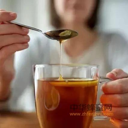 蜂蜜是清肠能手,让你口臭、色斑、大肚腩都没了!