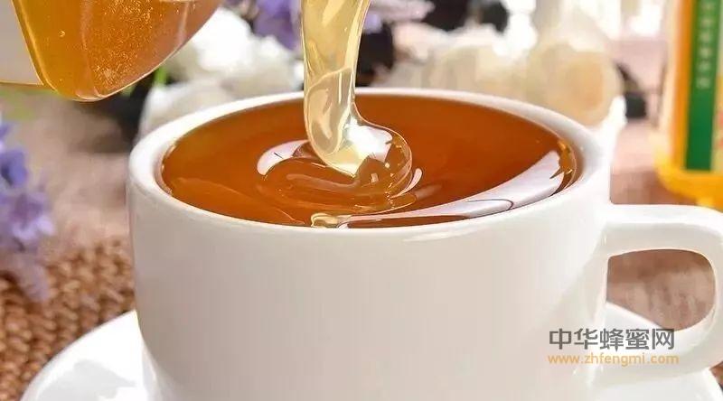 冬季早晨喝蜂蜜充足精力一整天
