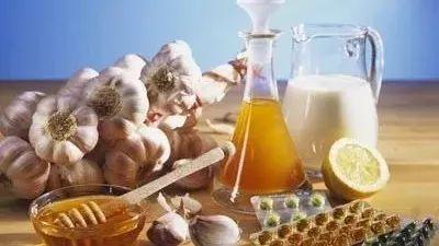 蜂蜜养生︱疏通血管、养肝护肝的最佳食疗