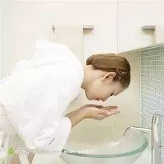【蜂蜜与白色樱草】_蜂蜜水洗脸,你洗对了吗