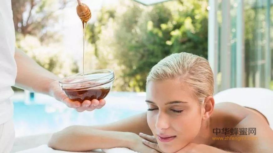 如何用蜂蜜做面膜,美丽女人的秘密!