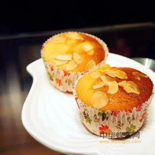 蜂蜜与柔软香浓的蛋糕结合,美味止不住!