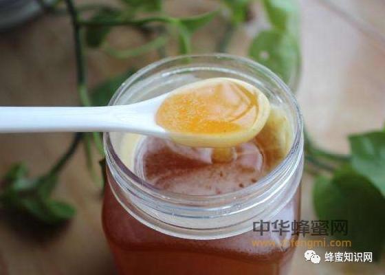蜂蜜变质是什么样,蜂蜜起泡是怎么回事,蜂蜜过期还能喝吗?