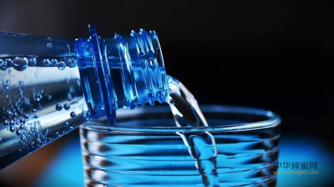 【蜂蜜牛奶面膜】_一杯冷水,鉴别真假蜜