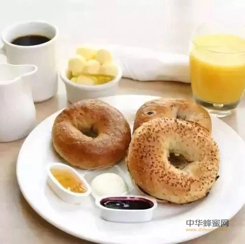 【冠生园蜂蜜】_早餐羊奶加蜂蜜,健康有活力