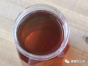 有些蜂蜜放久了为什么颜色会变深?