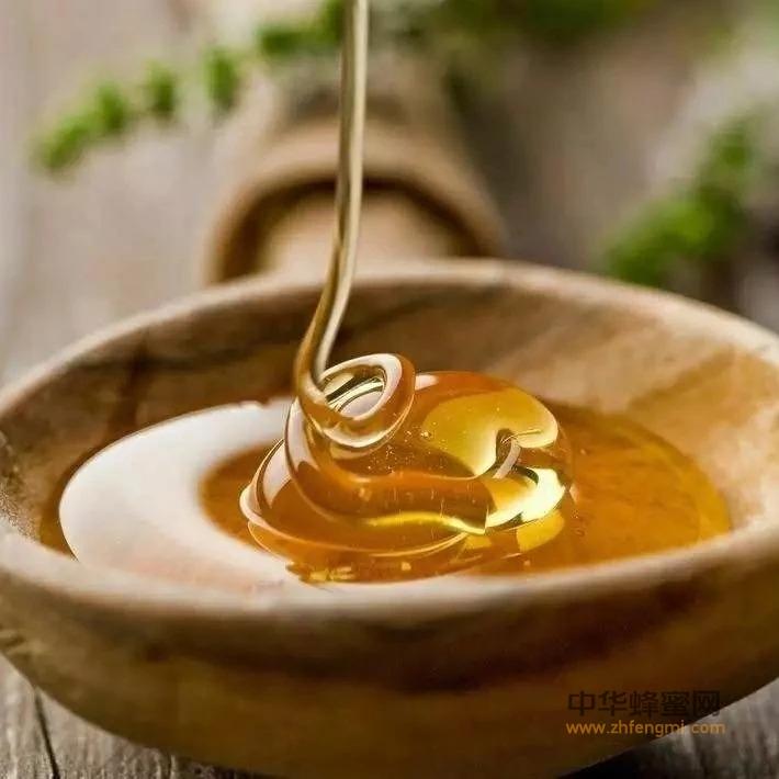 新华网:吓人!吃了假蜂蜜可能会变胖变傻,