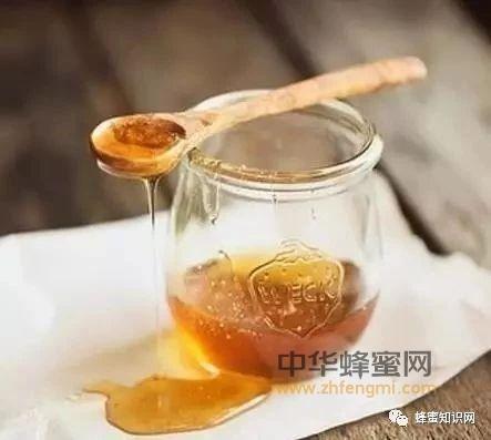 蜂蜜这样喝,冬季疾病绕着走。