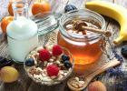 生姜蜂蜜水什么时候喝最好 蜂蜜水果茶 汪氏蜂蜜怎么样 白醋加蜂蜜 蜂蜜水果茶
