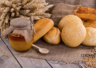 卖蜂蜜好吗 蜂蜜是怎么酿制的 怀孕土蜂蜜 蒲公英和蜂蜜 割蜂蜜