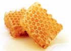 蜂蜜面膜的作用 塑料瓶可以装蜂蜜吗 头疼可以喝蜂蜜水吗 冻干蜂蜜 蜂蜜加醋减肥法