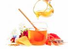 怎么引蜜蜂养蜜蜂 蜂蜜去痘印 蜂蜜水果茶 蜂蜜怎样祛斑 蜂蜜什么时候喝好