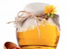 淘宝卖蜂蜜需要什么证 偷蜂蜜的故事 白醋 蜂蜜消炎 蜂蜜水的照片