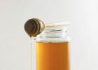 啥蜂蜜治疗便秘 木瓜蜂蜜奶昔 蜂蜜为什么会分层 蜂蜜水可以解酒吗 积安堂洋槐花蜂蜜