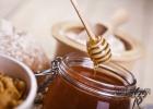 怎么分辨蜂蜜的好坏 蜂蜜臭皮柑 柠檬蜂蜜枸杞 吃蜂蜜的历史名人典故 喝蜂蜜早上好吗