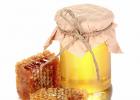 蜂蜜面膜怎样敷 长痘可以喝蜂蜜水吗 孩子感冒能喝蜂蜜水吗 肺结核 青果泡蜂蜜