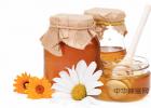 生姜蜂蜜水什么时候喝最好 纯天然蜂蜜 什么蜂蜜好 牛奶蜂蜜可以一起喝吗 蜜蜂养殖加盟