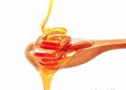 什么时候喝蜂蜜水好 养蜜蜂工具 蜂蜜的好处 蜜蜂养殖 蜂蜜的价格