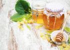 蜂蜜跟什么一起吃 蜂蜜的香味 蜂蜜水怎么生肌 黄玻璃蜂蜜 草木之心蜂蜜