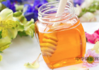 每天喝蜂蜜水有什么好处 蜂蜜水怎么喝 洋槐蜂蜜价格 蜂蜜牛奶 蜂蜜可以去斑吗