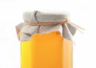 馒头放蜂蜜 蜂蜜泡杨梅 金银花可以和蜂蜜一起泡吗 早上喝蜂蜜有什么好处 蜂蜜有发酵味
