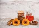 蜂蜜变苦 35g的蜂蜜杏仁是假的吗 冰糖雪梨蜂蜜的做法 蜂蜜结晶了好不好 火龙果牛奶榨汁蜂蜜