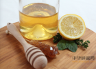 柠檬蜂蜜怎么腌制 蜂蜜在高温下会变质吗 蜂蜜有细菌吗 哪里能买到纯蜂蜜 花圣的蜂蜜