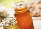 哪里买正宗蜂蜜 蜂蜜燕麦饼干无面粉 制作蜂蜜面膜 蜂巢蜜和蜂蜜的区别 皂树蜂蜜
