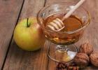 蜂蜜水怎么冲 柠檬和蜂蜜能一起喝吗 生姜蜂蜜减肥 蜜蜂视频 蜂蜜怎样做面膜