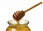 被蜜蜂蛰了怎么办 如何养蜜蜂 蚂蚁与蜜蜂漫画全集 蜂蜜可以去斑吗 蜂蜜怎样做面膜