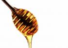 南岛三叶草蜂蜜疗效 hnz麦卢卡蜂蜜 蜂蜜的养殖技术 天然蜂蜜的保健作用 脸抹蜂蜜好吗