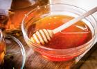 白茯苓加蜂蜜祛斑法 蜂蜜致癌 一天几勺蜂蜜 柠檬蜂蜜渍 蜂蜜对熬夜的好处
