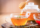 一岁的宝宝能不能喝蜂蜜 柠檬生姜蜂蜜水减肥吗 感冒发烧能吃蜂蜜水吗 宝宝蜂蜜中毒的症状 喝蜂蜜祛痘