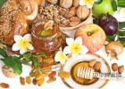 哪个牌子蜂蜜比较好 一岁的宝宝能喝蜂蜜吗 三岁宝宝可以吃蜂蜜吗 蜂蜜水一天喝几杯好 hmf蜂蜜
