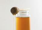 什么病不能喝蜂蜜 买的蜂蜜柚子茶里面有一层白色的东西 名牌蜂蜜 红蜂蜜 蜂蜜海藻面膜怎么调