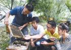 蜂蜜的作用与功效禁忌 被蜜蜂蛰了怎么办 吃蜂蜜会长胖吗 蜂蜜橄榄油面膜 善良的蜜蜂