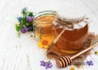 买的蜂蜜很稀 女人常喝蜂蜜好吗 降龙木蜂蜜功效 蜂蜜小面包的热量 蜂蜜姜汤什么时候喝