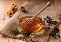 蜂蜜每天能吃多少?蜂蜜会过量吗?每天食用大量蜂蜜有没有副作用