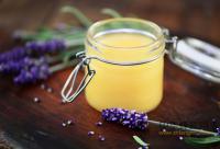 蜂蜜+牛奶给你最营养的早餐 蜂蜜搭配牛奶有哪些营养功效
