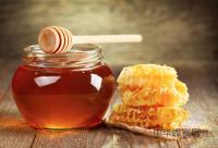 蜜蜂繁殖技术中的促与控