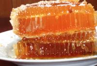 琵琶花蜂蜜和洋槐蜂蜜相比,哪个流动性更好?